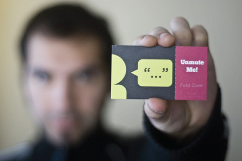 Exchanging Business Cards: Dos and Donts.